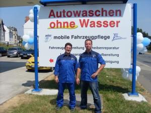 Herr Köhler und Herr Weiß als Inhaber